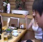 会社の飲み会でミニスカOLのパンチラや胸チラに興奮するサラリーマン erovideo