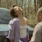 【熟女】強盗が熟女をレイプ♪麻酔ガスで大人しくなったらやりたい放題でSEX♪山に捨てる前にも麻酔して一発ハメてから放置(ヘンリー塚本作品)