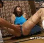 【澤村レイコ】四十路高身長美熟女がレオタード、ストッキング姿で酒屋のオヤジに襲われる♪ストッキングがボロボロに破かれて、失禁までしちゃってます