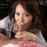 【神津千絵子】五十路熟女母親が息子をフェラチオ♪フェラというよりチンポを舐めまくりです♪でも後半は口まんこで激しいピストンして口内射精