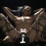 【友田真希】四十路巨乳美熟女を拘束椅子に座らせて固定バイブで責めまくる♪一人放置されて汗だくで悶絶する熟女
