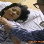【北原夏美】五十路の人妻が医者である義父に睡眠薬を注射され眠ってしまったところを犯される(ヘンリー塚本)