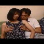 【篠田有里】五十路熟女人妻は浮気を許してもらう代わりに夫の目の前で寝取られるのを見られるのだった…NTR願望のある変態夫のわがままに奥さんも満更でもない?