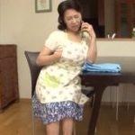 【小澤喜美子】六十路熟女はテレホンセックスに夢中…でもやっぱり会ってやりましょうってことでやってたら息子に見られてしまってそれじゃあ息子と母子相姦しちゃおうかってな具合です