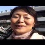 【松岡貴美子】【吉永麗子】六十路と五十路の高齢女性2人が大宮駅前で熟女逆ナンパしちゃいます…おじさんを捕まえて車内で手コキなんかしちゃったりして